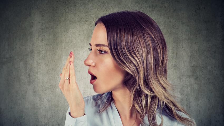Ne legyen tabutéma! Mi okozhatja a rossz leheletet?
