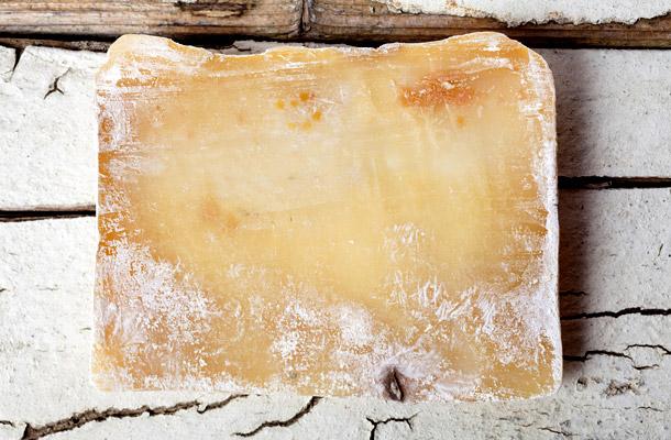 penészes sajt paraziták ellen