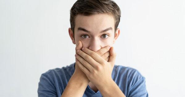 sajtszag után a szájból hogyan lehet magad azonosítani a rossz leheletet